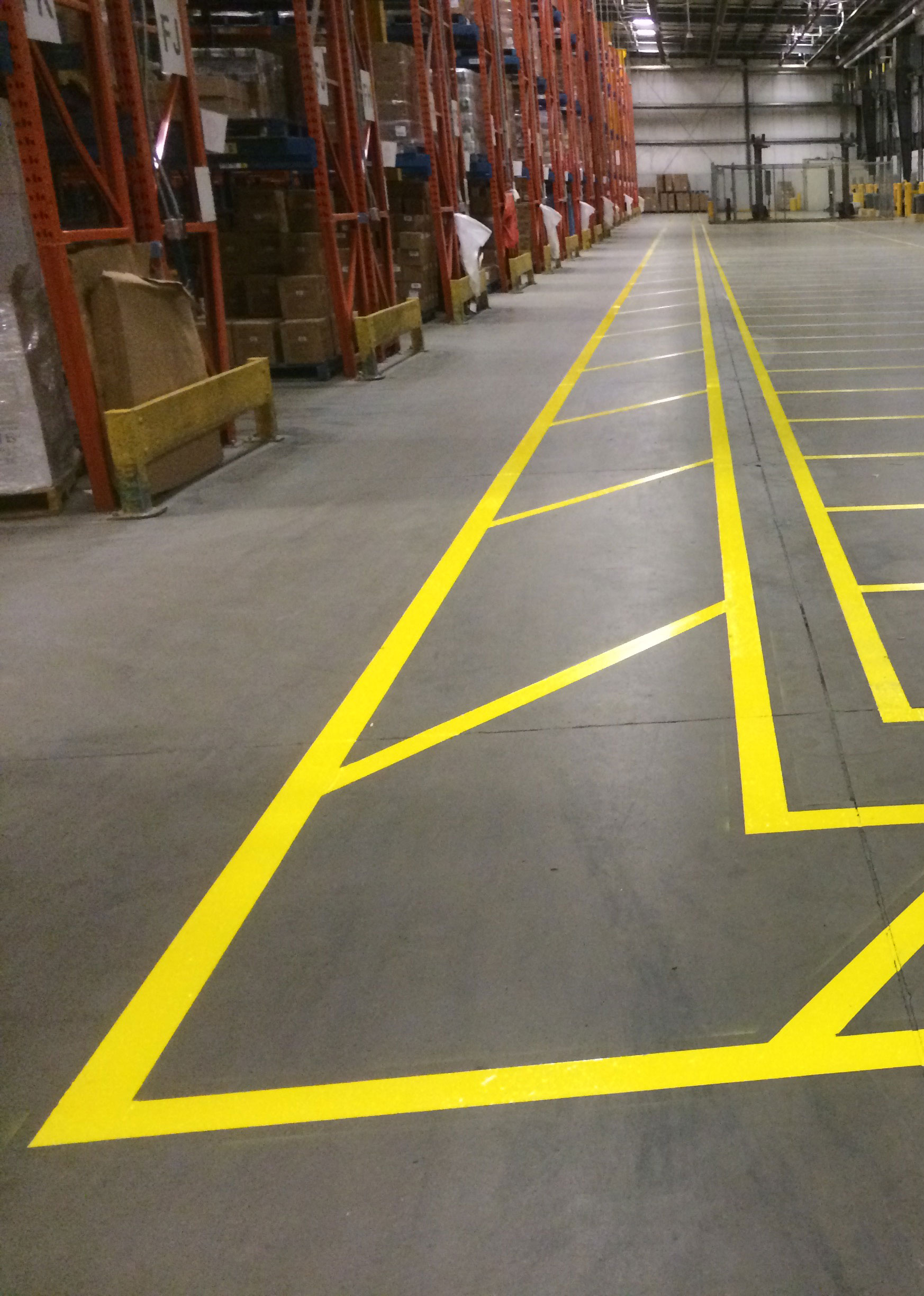 Interior line painting pricing calgary everline coatings for Cost to paint parking lot lines